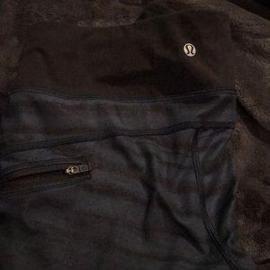 Lululemon Capri leggings with side zipper pockets